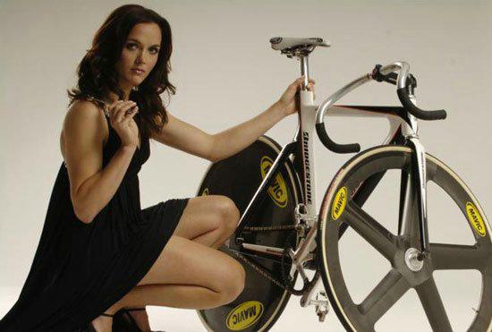 英自行车女将成本土宠儿 堪比英国刘翔李娜