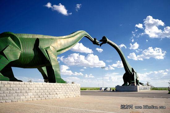内蒙古二连浩特:地平线尽头的恐龙城市