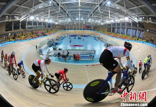 """300余名选手""""竞速""""中国场地自行车冠军赛"""