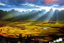 贵州万峰林:一幅瑰丽绝美的山水画