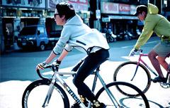 台湾流行死飞女生 自行车上的女潮人