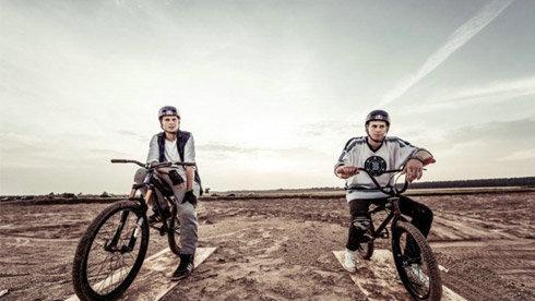 """又有一部极限电影要上映了,""""单车兄弟""""预告片发布"""