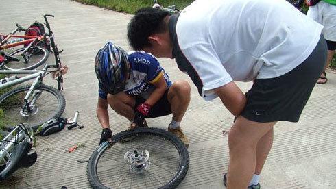 自行车爆胎问题分析和预防