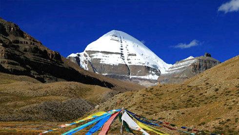 诸神之地 西藏阿里的神山圣湖