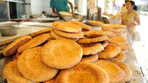 新疆美食:烤馕——新疆各兄弟民族喜爱的食品
