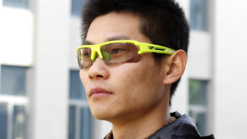 拓步正式发布嵌入式全天候运动光学变色太阳镜
