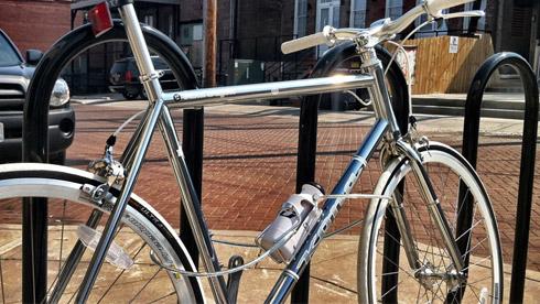 可以当做自行车锁的水壶Bottle Lock