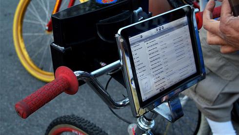 将ipad固定在你的BMX小两轮车上