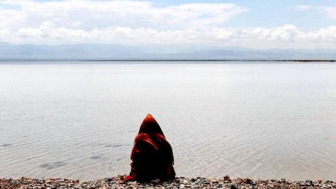 茶卡盐湖:天境不在,盐湖已成臭水坑