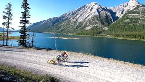 骑行天下 盘点全球七大风光秀美的骑行路线