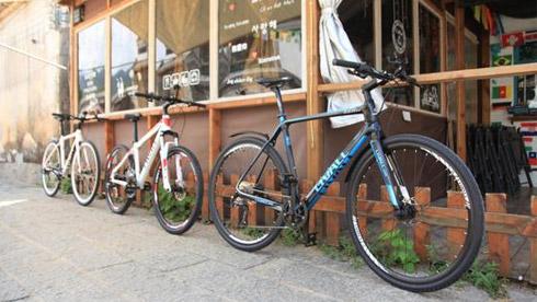 LIVALL城市轻越野自行车:轻奢骑行温暖冷落的街道