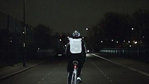 沃尔沃骑行反光喷雾受追捧 将在英国上市
