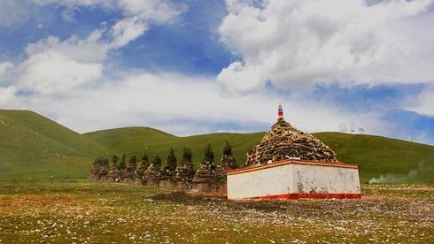 关于藏族煨桑和撒风马你了解多少?【组图】