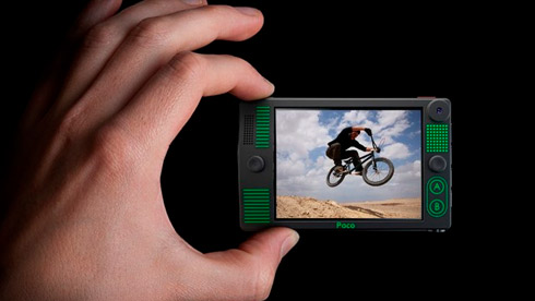 Poco多功能设备:运动相机、多媒体播放器、游戏机