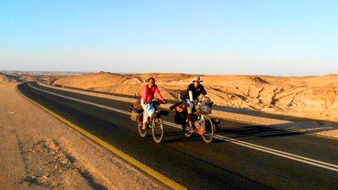 80后夫妻480天骑行亚非大陆 2万公里感动尼罗河的爱情