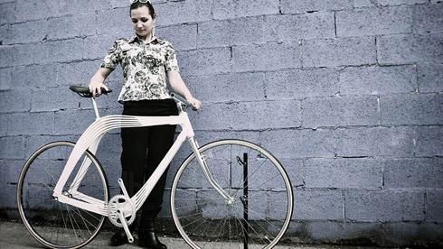 空气自行车:2015 米兰设计周展示的空气自行车