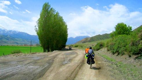 二千公里南疆风景、风情和故事:乌鲁木齐——喀什