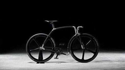 充满碳纤维 它是来自外太空的自行车