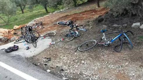 逆行女司机撞伤捷安特车队6名车手!