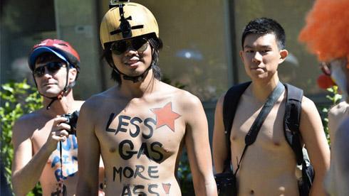 解放天性, 墨尔本举行最后一次自行车裸骑大会