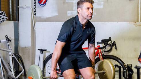 自行车课堂:教你在家练力量 让你骑得更快更远
