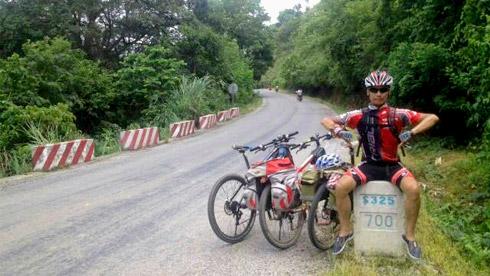 骑行广西沿边公路山水长廊 与越南山水相望