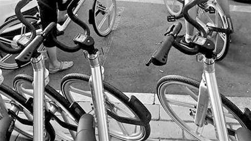 """北京多条街道现""""网约自行车"""" 无需定点还车"""