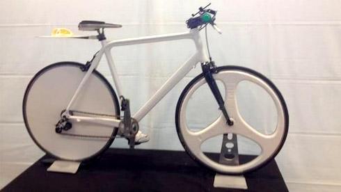 当别人还在买自行车的时候 这个哥们已经打印着玩了