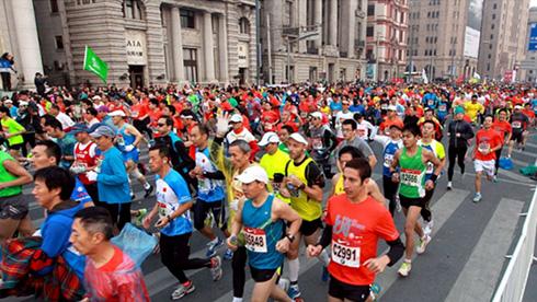 探班今年的上海国际马拉松,有颜值更有科技范