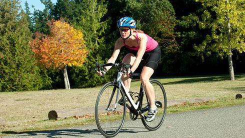告别8种错误骑车方式 预防膝关节损伤