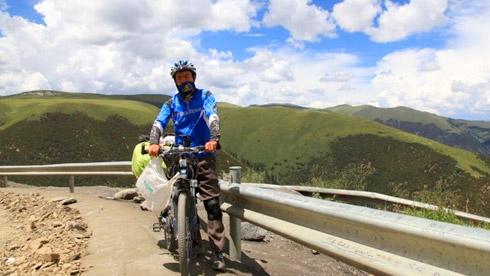 退 休 夫 妻 的 骑 游 经 历 之——川藏线篇