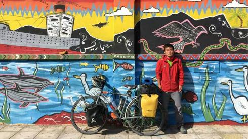 一本书,一个梦想:90后小伙285天独身骑行欧亚大陆