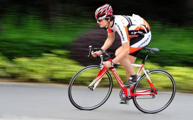 骑自行车应该怎么吃:自行车运动与饮食营养