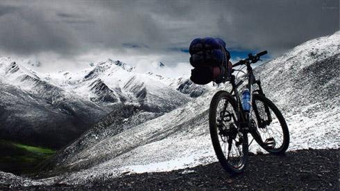 为何有些人总是喜欢艰苦的骑行或者登山运动?