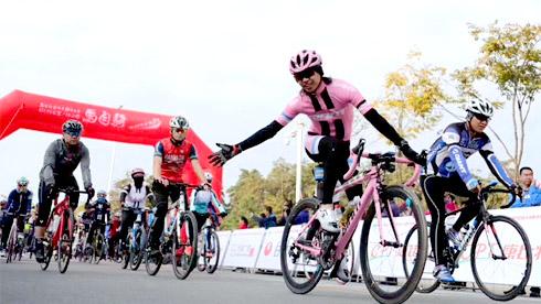 长白山自行车骑游大会暨马自骑天池爬坡王挑战赛开幕
